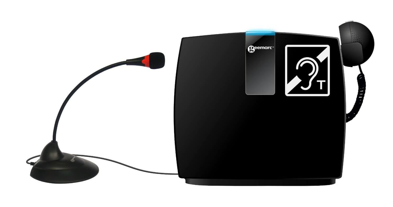 """Barrierefreie Produkte: schwarze, mobile, induktive Höranlage """"LoopHear"""", links ein Mikrofon, rechts ein Kopfhörer"""